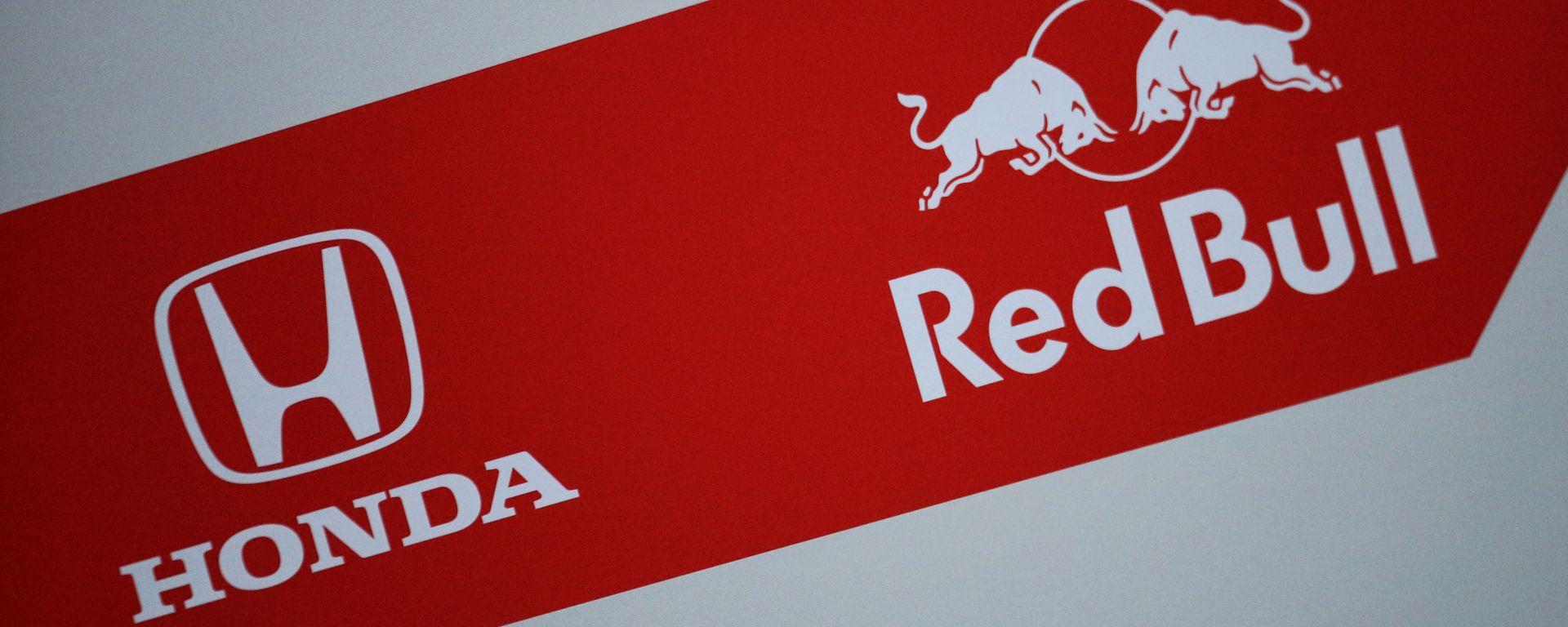 Formula 1, i loghi Honda e Red Bull