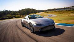 Formula 1 Pirelli Hot Laps, Aston Martin Vantage V8