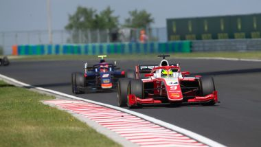 Formula 2, Budapest 2019: Mick Schumacher (Prema) si difende da Matsushita (Carlin)