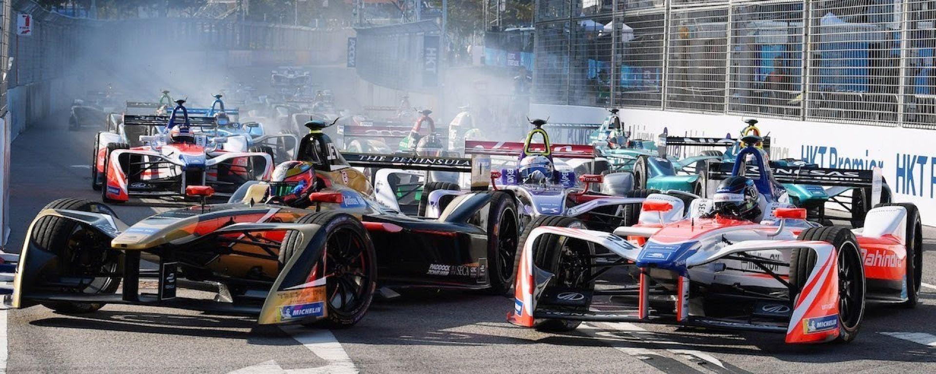 Formula E 2017/2018 - ePrix di Hong Kong, la bagarre dopo la prima curva