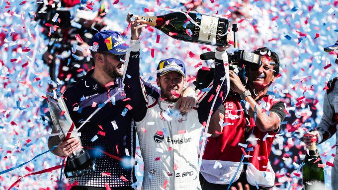 Formula E 2018-2019, Sam Bird festeggia la vittoria nell'ePrix di Santiago della passata stagione