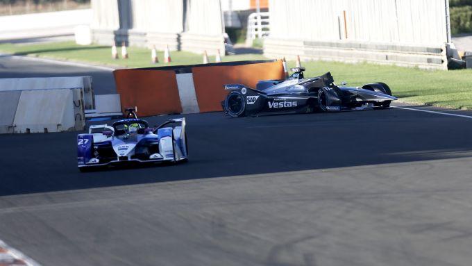 Formula E 2019-2020, test Valencia Day-2 mattina: l'incidente di Nyck De Vries (Mercedes)