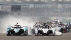 Formula E 2020, ePrix Città del Messico: la partenza della gara con Evans (a sinistra) e Lotterer