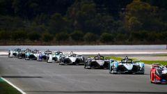 Formula E 2020, le auto in pista durante i test Valencia della season 6