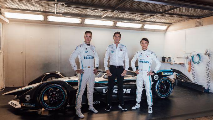 Formula E 2021, Mercedes presenta la Silver Arrow 02 con Stoffel Vandoorne, Ian James e Nyck De Vries