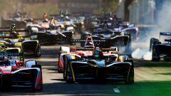 Formula E, GP del Cile: Bird vola e vince con la Virgin - Immagine: 3
