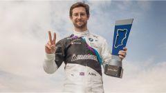 Formula E, ePrix Ad Diriyah 2019: Alexander Sims (Bmw) festeggia la sua pole position