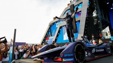 Formula E, ePrix Ad Diriyah 2019: Sam Bird (Virgin Racing) esulta sul podio