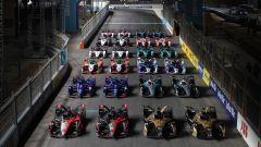 Formula E ePrix Ad Diriyah 2021: foto di gruppo con tutte le monoposto in pista
