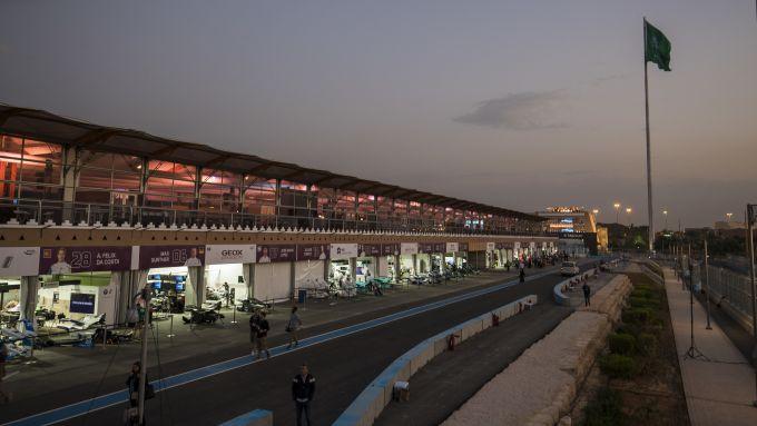 Formula E, ePrix Arabia Saudita 2019-2020: la pit-lane di Ad Diriyah