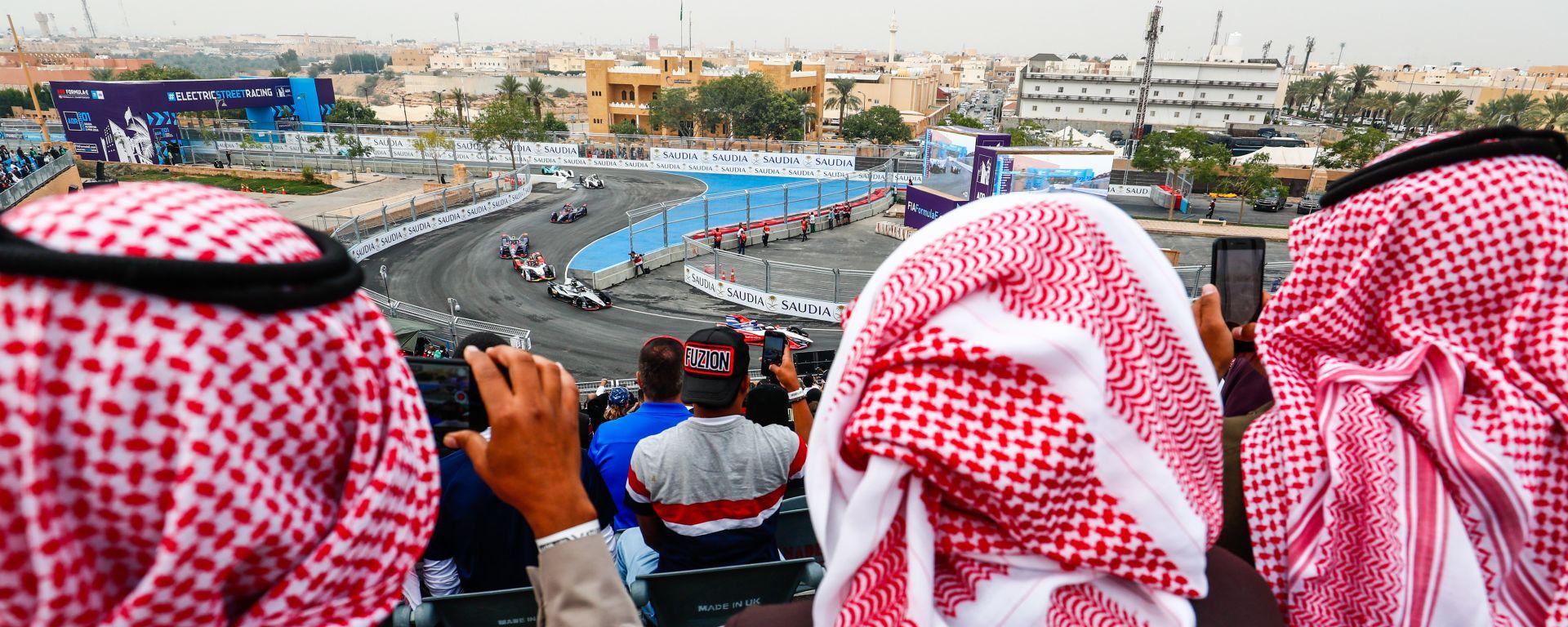 Formula E, ePrix Arabia Saudita: appassionati sugli spalti