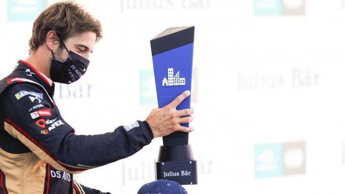 Formula E ePrix Berlino 2020: Antonio Felix Da Costa (Ds Techeetah) alza il trofeo della pole position