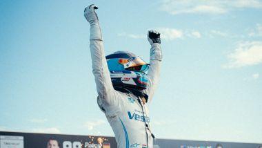 Formula E ePrix Berlino 2021, Tempelhof: Nyck De Vries (Mercedes) festeggia la vittoria del titolo