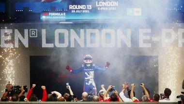 Formula E ePrix Londra 2021, ExCeL: l'esultanza di Alex Lynn (Mahindra Racing)
