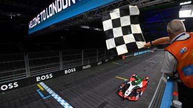 Formula E ePrix Londra 2021, ExCeL: Lucas Di Grassi (Audi) taglia per primo il traguardo