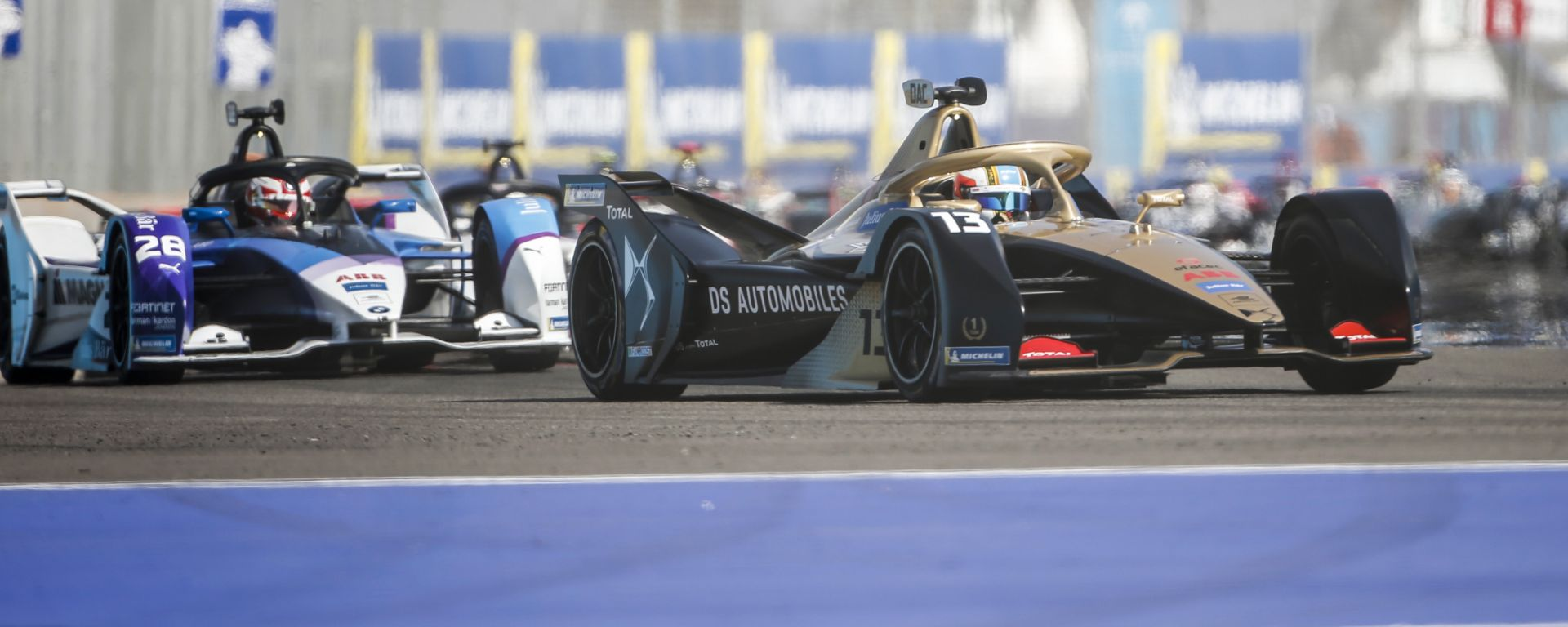 Formula E ePrix Marrakech 2020: le prime fasi di gara con Da Costa (DS Techeetah) davanti a Gunther (BMW)