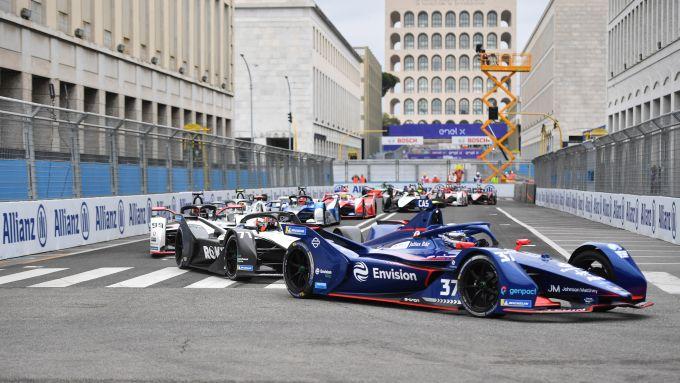 Formula E ePrix Roma 2021: Nick Cassidy (Envision Virgin Racing) guida il gruppo