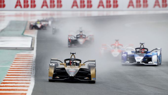 Formula E ePrix Valencia 2021: Antonio Felix Da Costa (DS Techeetah) in testa alla corsa