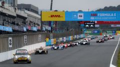 Formula E ePrix Valencia 2021: la Safety Car mette in fila le monoposto