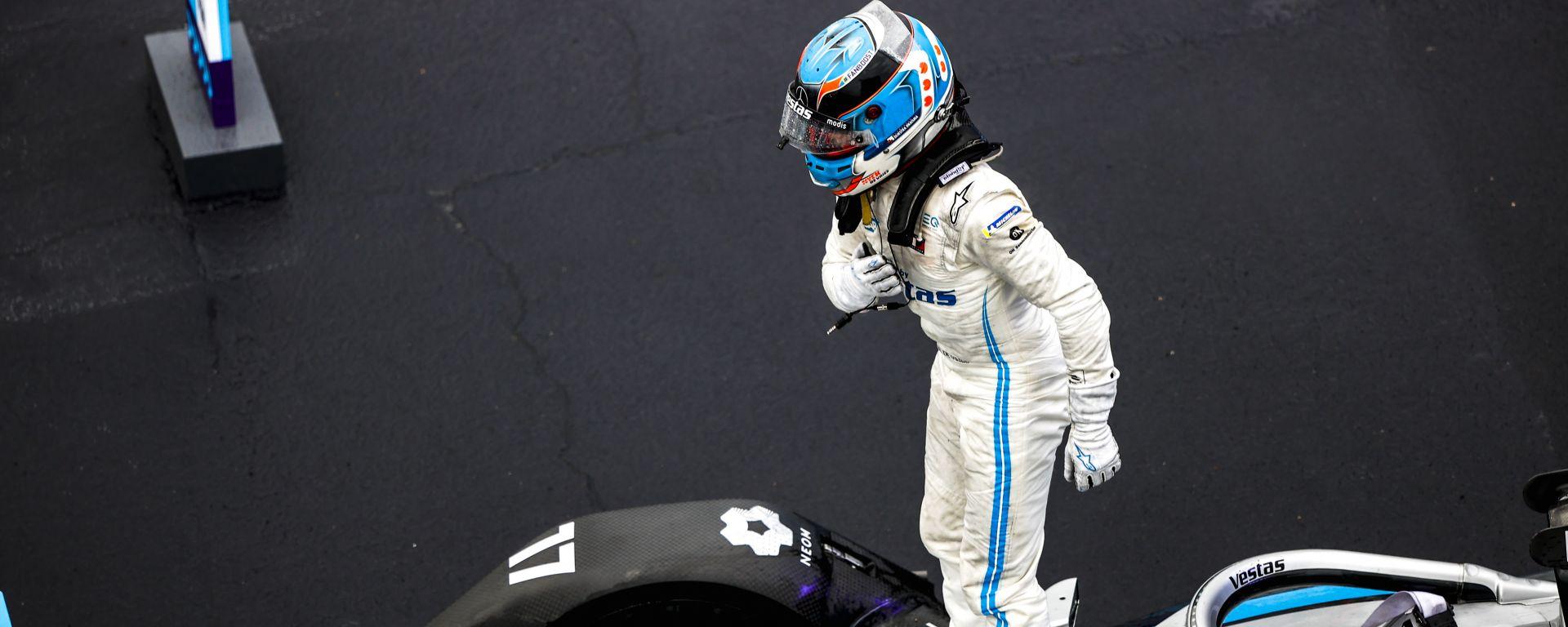 Formula E ePrix Valencia 2021: Nyck De Vries (Mercedes) esulta per la vittoria