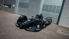Formula E: la Mercedes Silver Arrow 01 diventa nera contro il razzismo | Foto 1/3