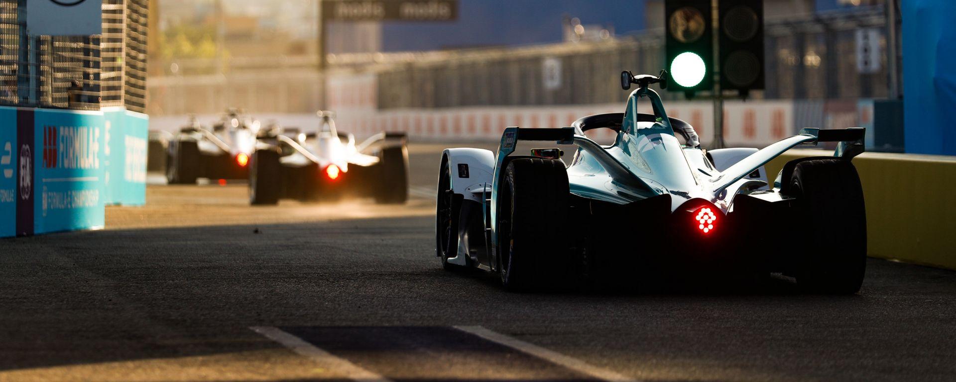 Formula E, le auto elettriche in pista sul tracciato di New York