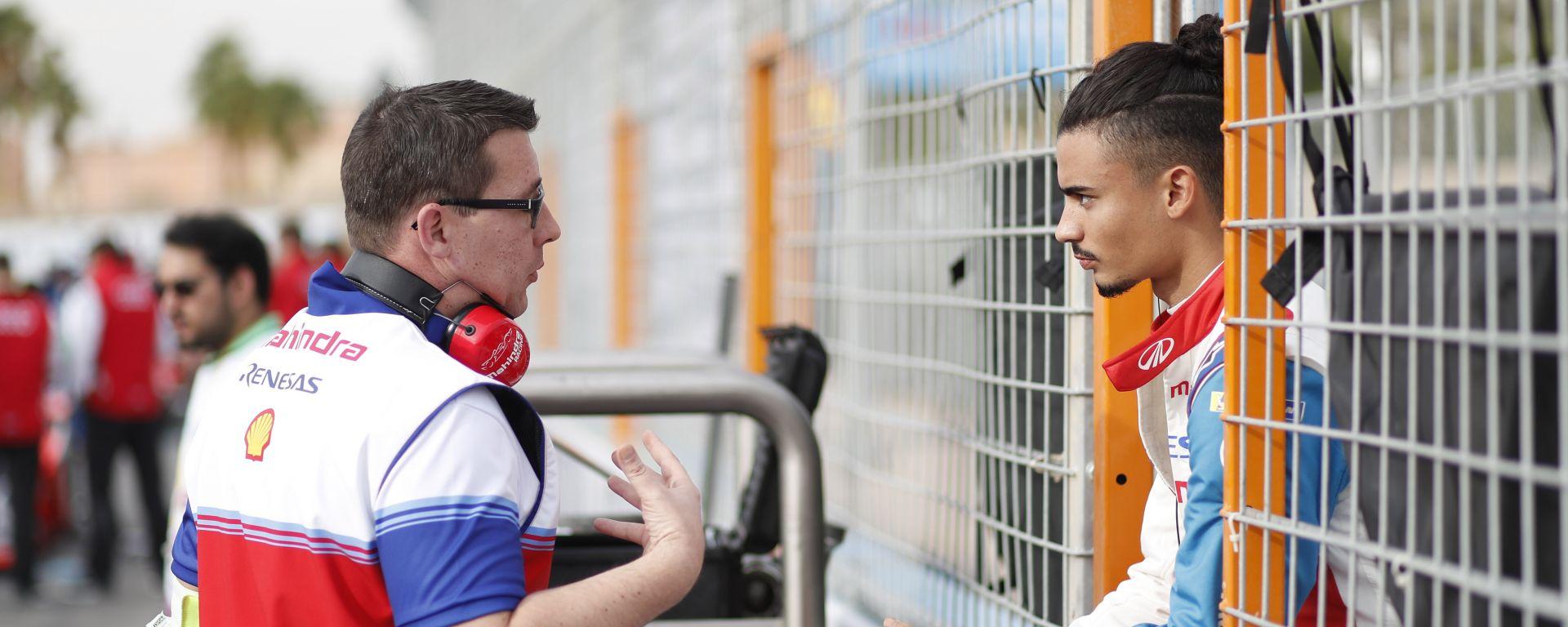 Formula E, Pascal Wehrlein a colloquio con un ingegnere Mahindra Racing