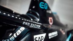 Formula E: sull'halo della Mercedes Silver Arrow 01 nera la scritta