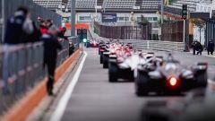 Formula E, Test Valencia 2021, la coda di monoposto nella corisa dei box del Ricardo Tormo