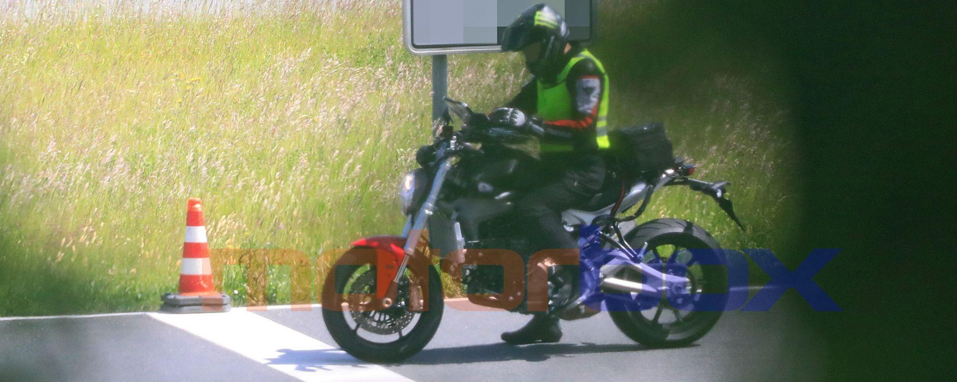 Foto spia della nuova Ducati Monster 2021