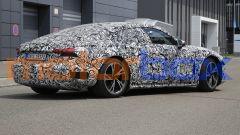 Foto spia di Audi e-tron GT: visuale di 3/4 posteriore