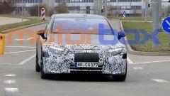 Foto spia di Mercedes EQS: visuale frontale