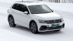 Foto spia Volkswagen Tiguan 2020: vista 3/4 anteriore