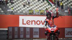 Francesco Bagnaia festeggia il secondo posto nel GP di San Marino 2020