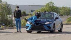 Frenata automatica con riconoscimento pedone: a 48 km/h nessun'auto testata passa l'esame