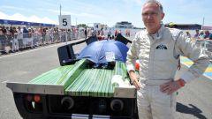 Fusione FCA-PSA: il CEO Carlos Tavares abile automobilista