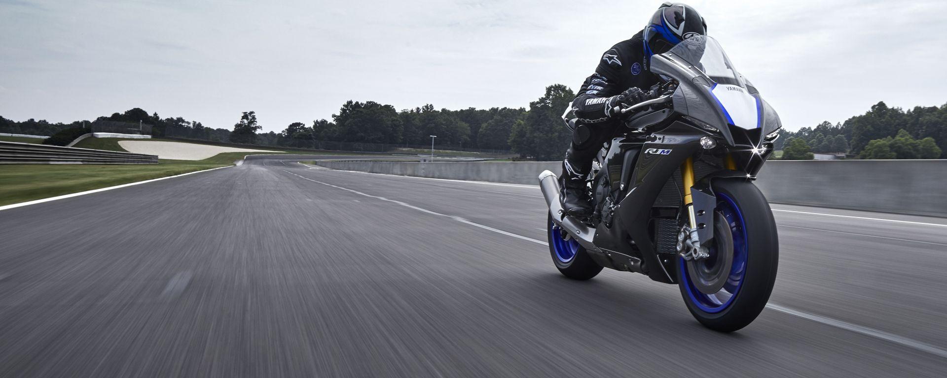 Gas spalancato con la Yamaha YZF-R1M 2020