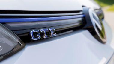 Gemelle diverse: Golf GTE, il logo sulla calandra anteriore