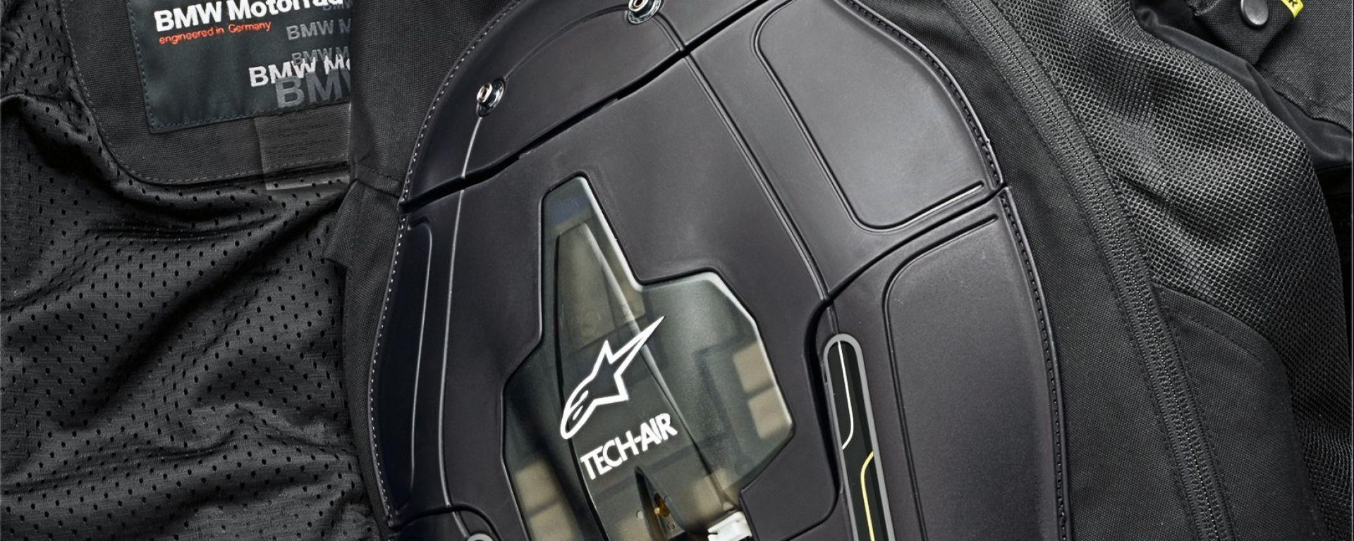 Giacca BMW Motorrad-Alpinestars, il meccanismo dell'airbag