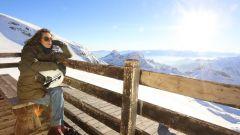 Giacca Tucano Urbano Parka Hyde Park, casco Givi 30.3 Tweet Geneve, scarpe Stylmartin Red Rock, guanti Tucano Urbano Lady Aviato