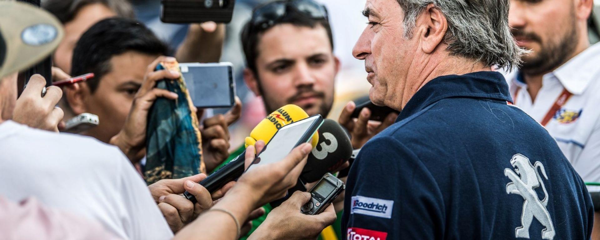 Giallo alla Dakar 2018: 10 minuti di penalità per Peugeot