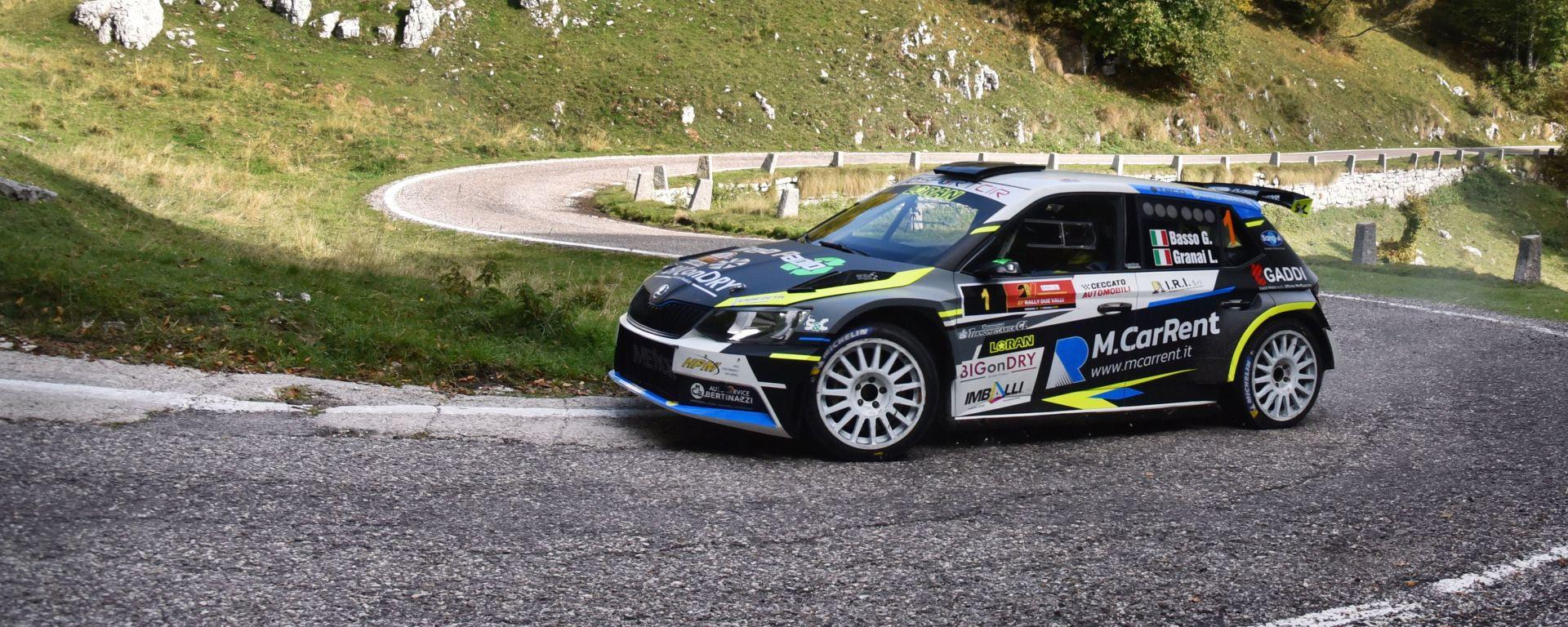 Giandomenico Basso (Skoda Fabia R5) è leader della classifica CIR dopo il Rally Due Valli