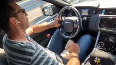 Buffon e la foto su Twitter: alla guida senza cintura? Forse no