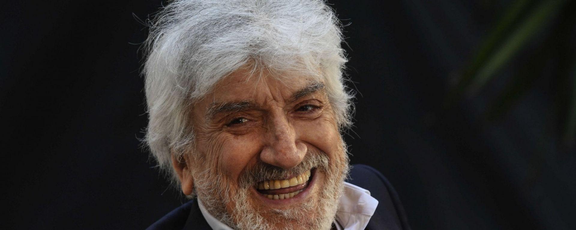 Gigi Proietti, l'ultimo mattatore. Anche le auto tra i suoi film