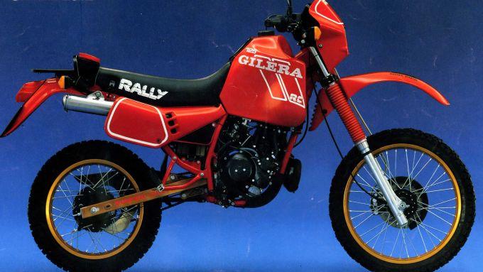 Gilera RC 125 Rally: l'enduro anni '90 interpretato dalla Casa di Arcore