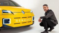 Gilles Vidal con il prototipo di Renault 5
