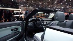 Ginevra 2016: lo stand Jaguar e Land Rover - Immagine: 10
