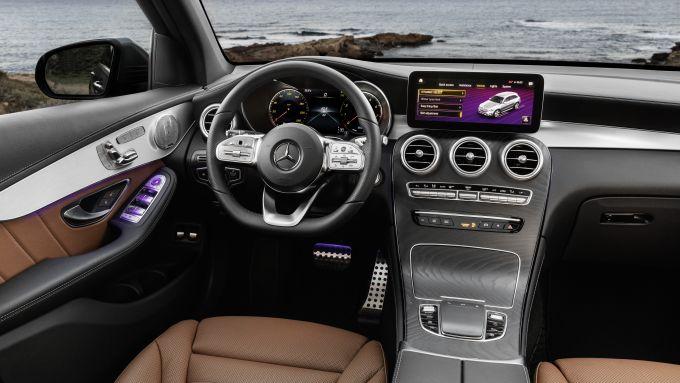 Mercedes GLC 2019, gli interni
