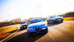 Alfa Romeo Giulia Veloce Q4 vs Audi A4 Avant Quattro vs BMW Serie 3 GT xDrive: il video - Immagine: 1
