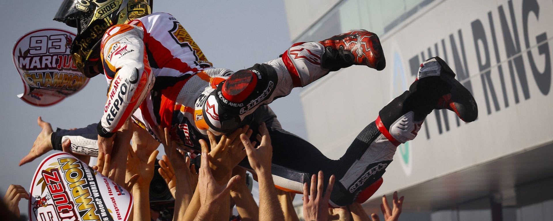 Give me five: Marc Marquez si laurea Campione del Mondo a Motegi
